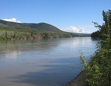 Stewart River scenery from Barker Creek
